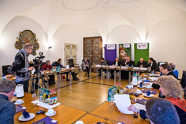 Adveniat-Pressekonferenz zur Eröffnung der bundesweiten Weihnachtsaktion 2016 in München, Motto: Bedrohte Schöpfung - bedrohte Völker.