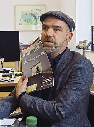 Mit seiner Agentur zuständig für Relaunches, aktuelle Titelbilder und den neuen Onlineauftritt: Enrico Klinkebiel. | Foto: Corinna Blümel