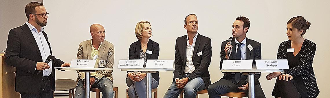 Moderator Thorsten Kabitz, Christoph Lemmer, Simone Jost- Westendorf, Carsten Baera, Timo Fratz, Kathrin Staiger (v.l.). | Foto: Sascha Fobbe