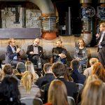 Um Pressefreiheit ging es auf dem Podium von Frank Überall (r.) mit (v.l.) Sascha Lehnartz, Andreas Artmann, Reinhardt Baumgarten und Amke Dietert. | Foto: Udo Geisler