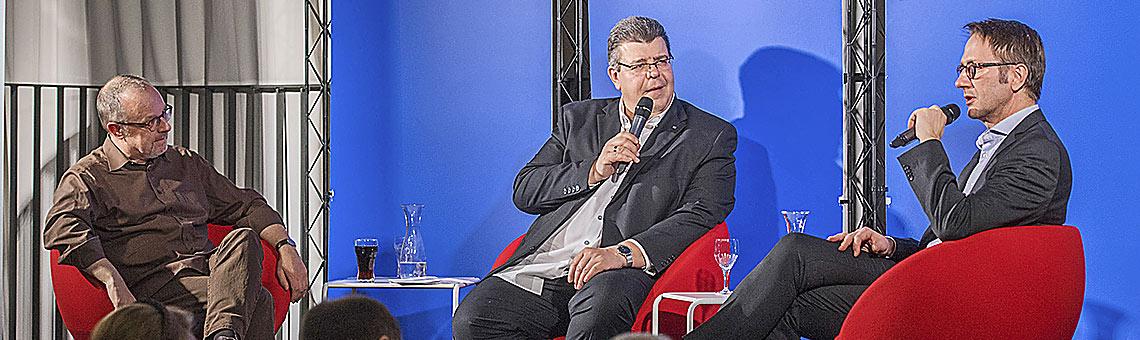 Um öffentlich-rechtliches Radio drehte sich der Journalistentreff in Duisburg mit (v.l.) Tom Hegermann, Thomas Münten und Uwe Schulz. | Foto: Tanja Pickartz