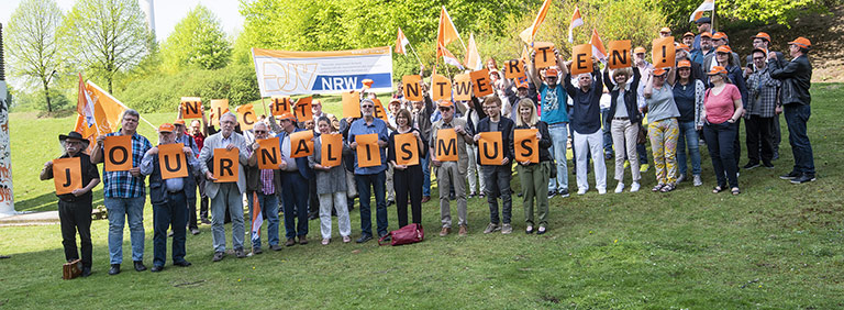 """""""Journalismus nicht entwerten!"""": Mit der Fotoaktion warb der Gewerkschaftstag für mehr Wertschätzung   Foto: Arne Pöhnert"""