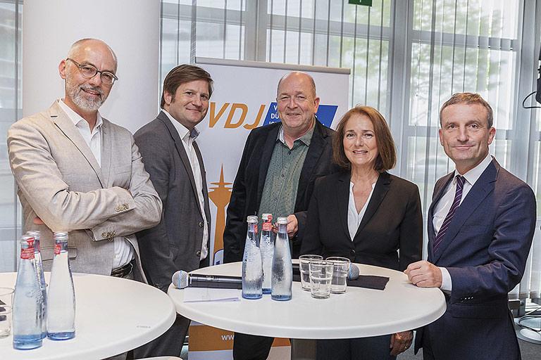 Für eine spannende Diskussion sorgten Thomas Tuma, Michael Bröcker, Andreas Vollmert, Gabi Ludwig und Thomas Geisel. | Foto: Christian Kiel