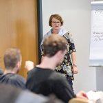 Susanne Stegemann von der Wirtschaftsförderung Herne vermittelte Know-how rund ums Gründen. | Foto: Alexander Schneider