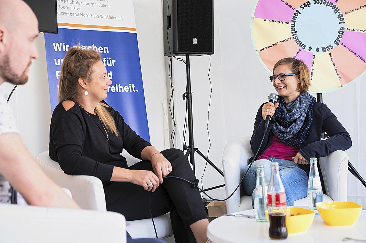 Wie klappt es eigentlich mit der Life-Work-Balance? Ute Korinth (M.) im Gespräch mit Jens Steinmann und Claire Oberwinter. | Foto: Alexander Schneider