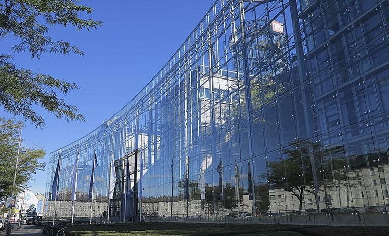 Wegen verbotener Gebietsabsprachen muss die Kölner Mediengruppe DuMont ein hohes Bußgeld zahlen.   Foto: txt