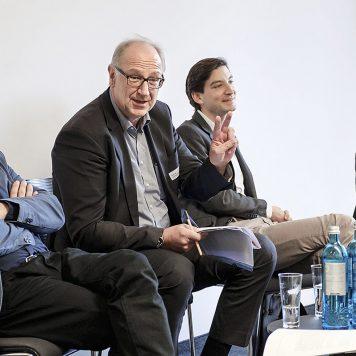 Andi Goral, Norbert Kersting, Alexander Vogel und Kai Heddergott (v.l.) beschäftigen sich mit institutioneller Berichterstattung. | Foto: Alexander Schneider