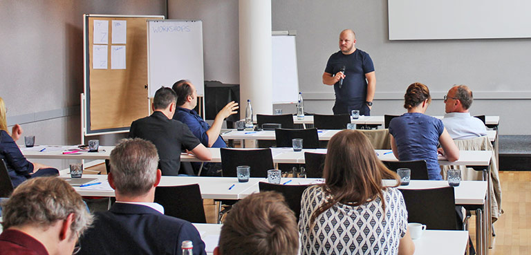 Mathias Milberg im Workshop.   Foto: Philipp Kania