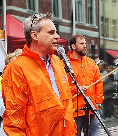 Auf der Versammlung sprach unter anderem der DJV-Bundesvorsitzende Frank Überall, der selbst als Freier für den WDR arbeitet. | Foto: Corinna Blümel