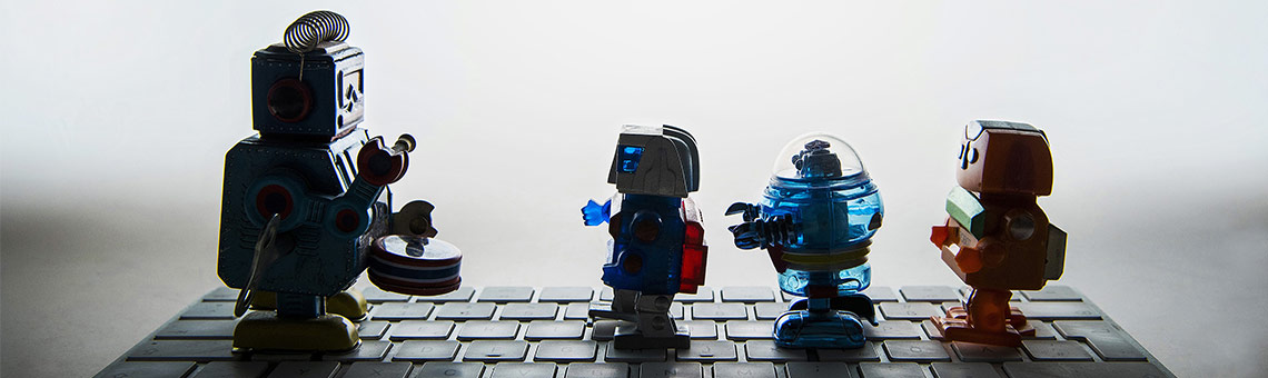 Kollege Roboter hat Einzug in Redaktionen gehalten und wird künftig wohl verstärkt bei Texterstellung sowie in Video- und Bildproduktion mitarbeiten. | Foto: Frank Sonnenberg