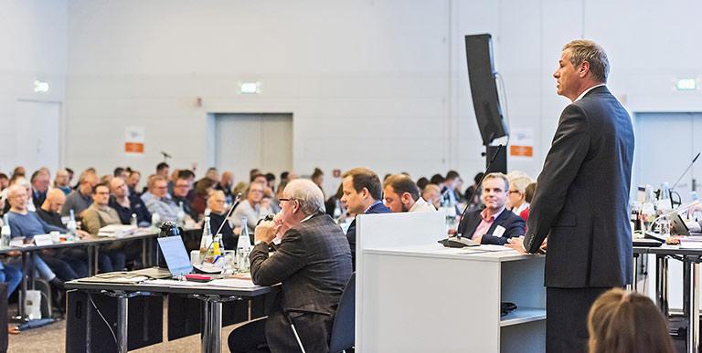 Ein Höhepunkt des Verbandstags war Georg Mascolos Gastvortrag zum Thema Quellenschutz. | Foto: Frank Sonnenberg