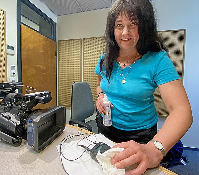 Für Drehs musste Reporterin Kirsten Lorek sich neue Routinen aneignen. | Foto: Andrea Hansen