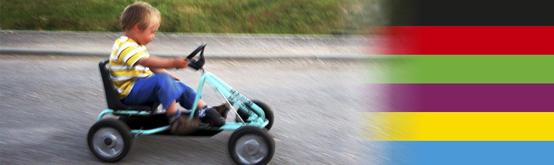Fahrrad, Kleinwagen, SUV oder ÖPNV und Zug: Welche Fortbewegung Menschen bevorzugen und welchen Parteien sie zuneigen, lässt sich aus einer Umfrage unter Neuwagenbesitzenden nicht zuverlässig ableiten. | Foto: wagg66